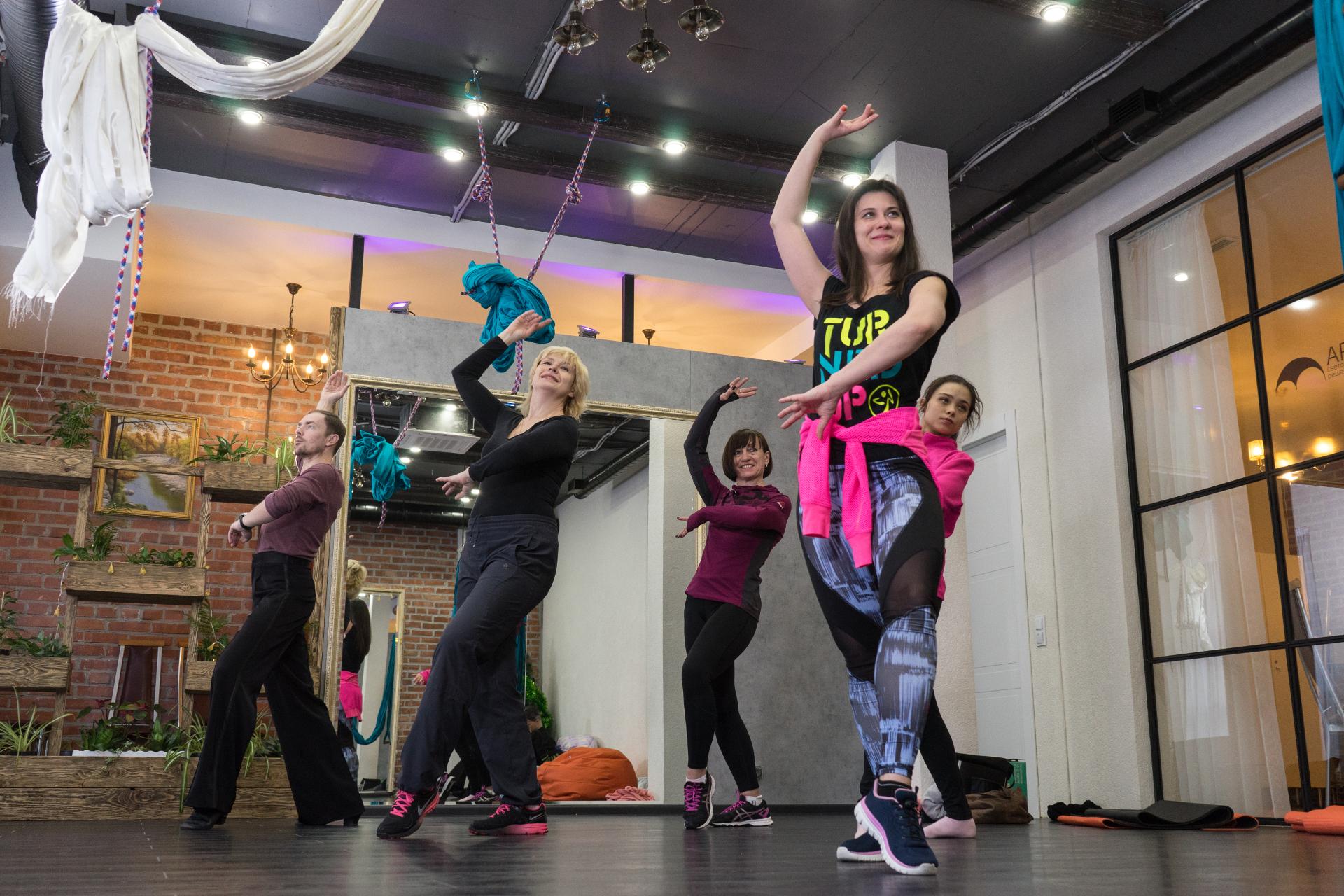 Школа танцев для занятий в мини-группах